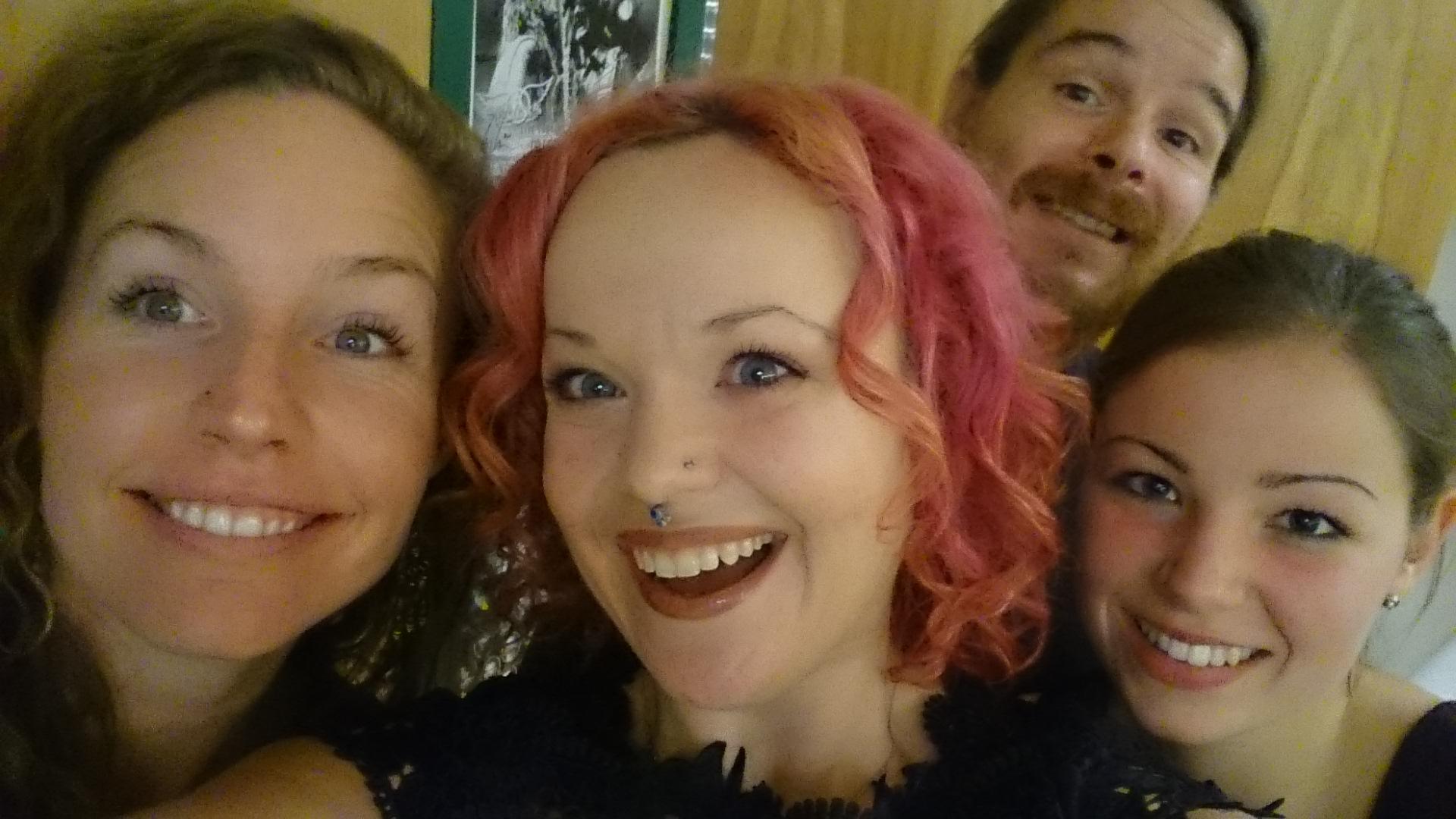 Allison Crowe Band backstage - l-r: Billie Woods, Allison Crowe, Dave Baird & Celine Greb
